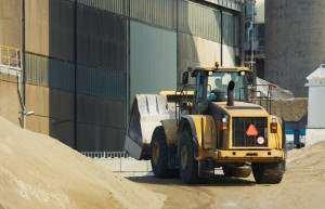 Transport kruszywa, piasku, żwiru i ziemi