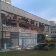 Na co zwrócić uwagę, wybierając firmę rozbiórkową w Warszawie?